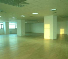 spatiu comercial 725 mp